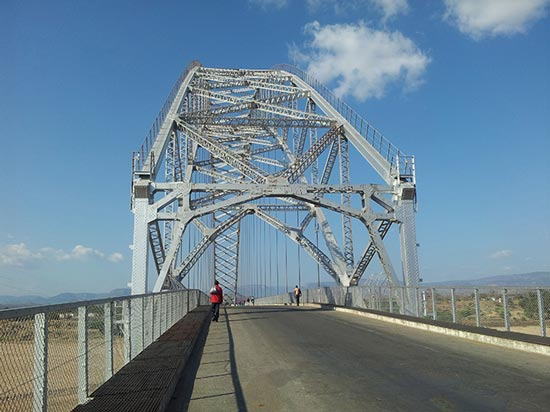 Visit Zimbabwe – Birchenough Bridge