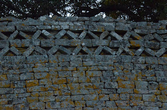 Great Zimbabwe: Of Design and Patterns